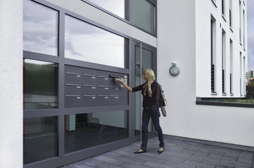 aluminium haust ren helbing tortechnik gmbh. Black Bedroom Furniture Sets. Home Design Ideas